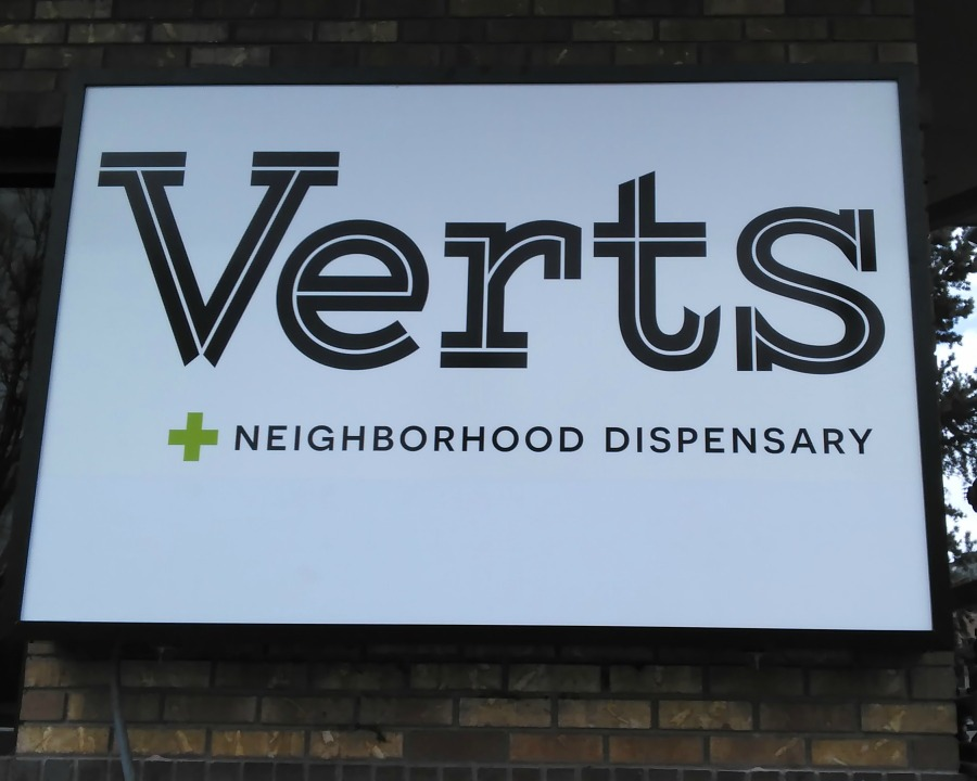 Verts - New Front Sign (2017 03 23)